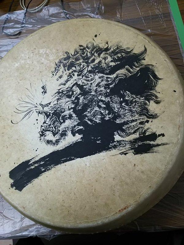 獅子(和太鼓の革に描いた)