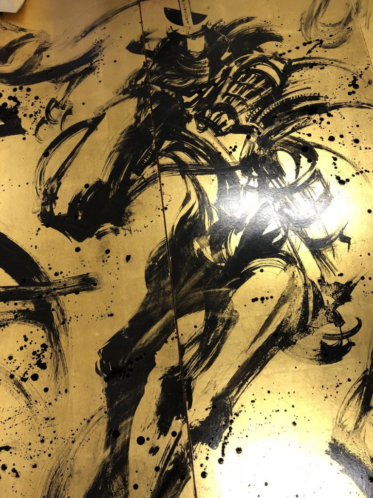 金屏風に描いた武将